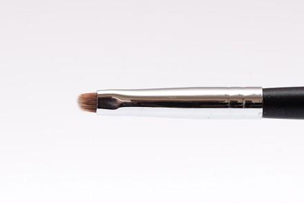 Кисть для бровей и прорисовки контура MAKE-UP-SECRET 730 нейлон: фото